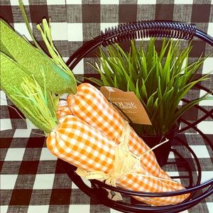 🐣Farmhouse Easter st of 3  fabric plaid carrots🐣